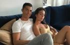 Cristiano Ronaldo XÁC NHẬN bạn gái mang bầu
