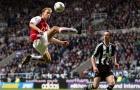 Những pha chạm bóng tinh tế của Bergkamp