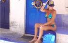 Người đẹp mê Real Madrid khoe thân nóng bỏng bên bờ biển
