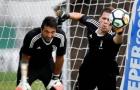 Hồi phục chấn thương, Szczesny tranh thủ biểu diễn trước mặt Buffon