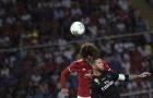 Tình huống va chạm nảy lửa giữa Ramos và Fellaini