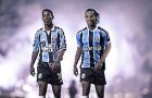 Tài năng của Ronaldinho thời trai trẻ