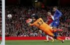 Fan Arsenal đòi tống cổ Cech sau màn xuất quân tệ hại