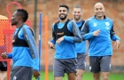 Bị Roma từ chối, Mahrez 'hết ga' trên sân tập của Leicester