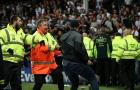Fan Everton 'nổi loạn' ở Goodison Park