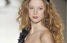 Ngắm vẻ đẹp của siêu mẫu người Pháp có gương mặt trẻ thơ