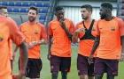 Vừa chào sân, Dembele đã kết thân với Suarez và Messi