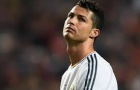 Ronaldo hủy diệt các đồng đội trên sân tập trước ngày trở lại