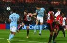 Stones hóa 'tiền đạo', Man City nã vào lưới Feyenoord bốn bàn không gỡ
