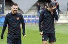 Messi hào hứng bước vào sân tập, chuẩn bị lên đường chiến Getafe