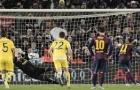 Khoảnh khắc Messi nhường Neymar đá penalty