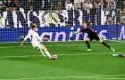 Pha đệm bóng cận thành không thành khó tin của Ronaldo