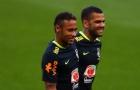 Bị chê bám váy Neymar, Alves bật lại Forlan