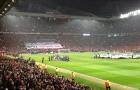Bầu không khí tuyệt vời của sân Old Trafford