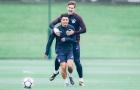 Aguero trở lại, dàn sao Man City tập luyện trong tiếng cười