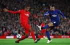 Hàng thủ mỏng manh, sao Liverpool vẫn thách thức M.U
