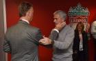 SỐC: Van Gaal tố Mourinho 'đâm lén', cướp ghế HLV Man Utd