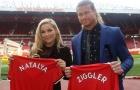 Man Utd đón 2 vị khách đặc biệt của làng WWE đến Old Trafford