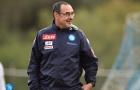 Maurizio Sarri nở nụ cười trìu mến với những con người bị 'hắt hủi'