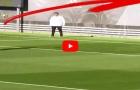 Cristiano Ronaldo ghi bàn bằng vai trong buổi tập