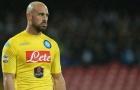 Napoli gấp rút tìm người thay thế Pepe Reina
