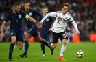 Mesut Ozil chơi đầy nỗ lực trước tuyển Anh
