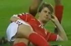 Màn ăn mừng 'huyền thoại' của tượng đài Brian Laudrup tại World Cup