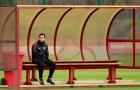 Mkhitaryan suy tư, tự cô lập trên sân tập M.U?