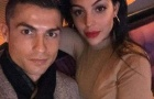 Vừa đến Tây Ban Nha, Ronaldo đã 'tự sướng' ngay với bạn gái Georgina