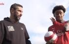 Robert Pires tận tình hướng dẫn sao trẻ Arsenal dứt điểm