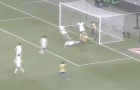 Những tình huống cứu thua 2, 3 lần liên tiếp của các thủ môn