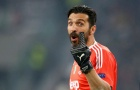 Chơi thăng hoa, De Gea vẫn kém xa Buffon