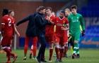 Gerrard phải ra tay khi cầu thủ trẻ Liverpool bị phân biệt chủng tộc