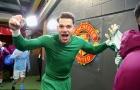 Điểm tin sáng 11/12: Mourinho bị ném chai nước vào người, Man City làm nên lịch sử