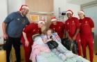Klopp dẫn đầu Lữ Đoàn Đỏ 'tấn công' bệnh viện tại Liverpool