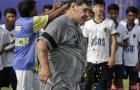 Maradona mướt mồ hôi biểu diễn trước lớp hậu bối tại Ấn Độ