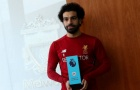 Salah 'đơ người' khi nhận giải cầu thủ xuất sắc
