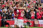 West Ham tranh thủ rút ruột Arsenal
