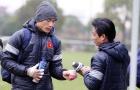 U23 Việt Nam dùng trà gừng chống lại cái rét tê tái