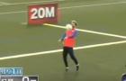 Messi và Suarez trổ tài chuyền và khống chế bóng ở cự ly 50m