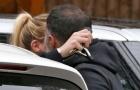 Ryan Giggs và tình cũ của Ronaldo thản nhiên khóa môi nơi công cộng