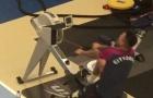 Chân bó bột, Gabriel Jesus vẫn vùi mình trong phòng tập gym