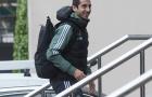 Mặc tin đồn bị bán, Henrikh Mkhitaryan cười tươi tắn khi hội quân