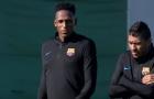 Tân binh Yerry Mina lặng im trên sân tập của Barcelona