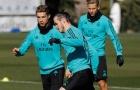 Ronaldo và Gareth Bale so kè trên sân tập