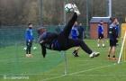Seedorf thể hiện kỹ năng 'siêu khủng', học trò há hốc mồm