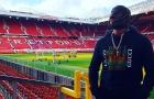 Siêu sao WWE Rey Mysterio mang mặt nạ cực ngầu tại Old Trafford
