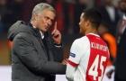 Man Utd hy sinh Blind để có sao trẻ Ajax