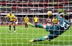 Petr Cech lần đầu làm được điều này sau 7 năm