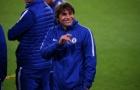Thầy trò Conte đầy lạc quan khi vừa đặt chân tới Nou Camp